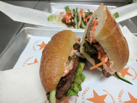 Impossible Burger Bánh mi