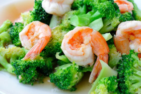 Jumbo Shrimp with Broccoli