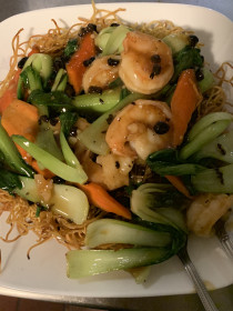 Pan Fried Noodle with Jumbo Shrimp